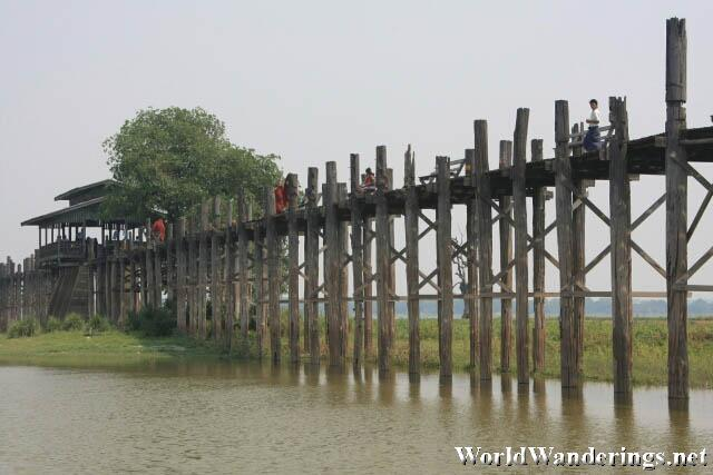 U Bein Bridge Spans the Lake Taungthaman