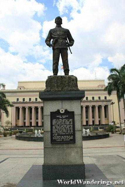 Status of Hero Andres Bonifacio at Plaza Lawton
