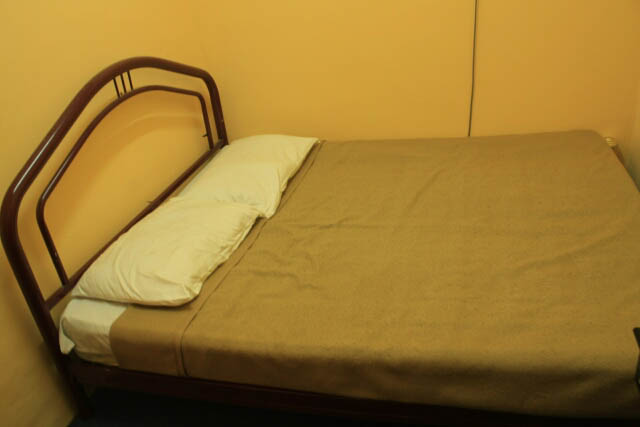 Queen Size Bed at Camlodge