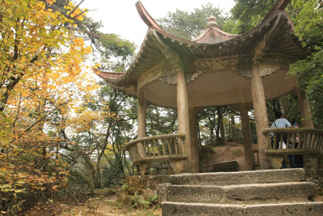 A Pavillion Along the Way to the Top of Huangshan 黄山