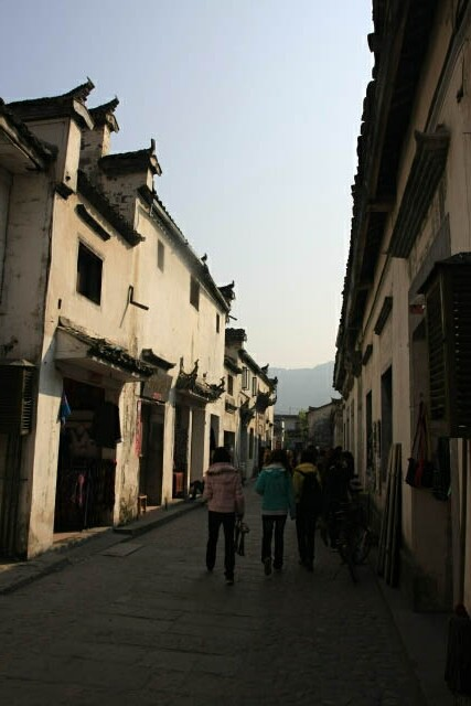 The Alleys of Hongcun 宏村 Ancient Village