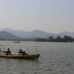 Crusing On the West Lake 西湖