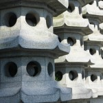 A Row of Mini Pagodas at the Foot of Leifeng Pagoda 雷峰塔