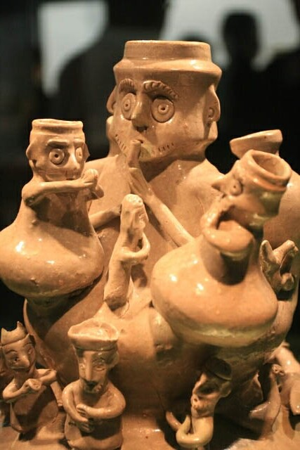 Interesting Figure at the Pottery Section of the Shanghai Museum 上海博物馆