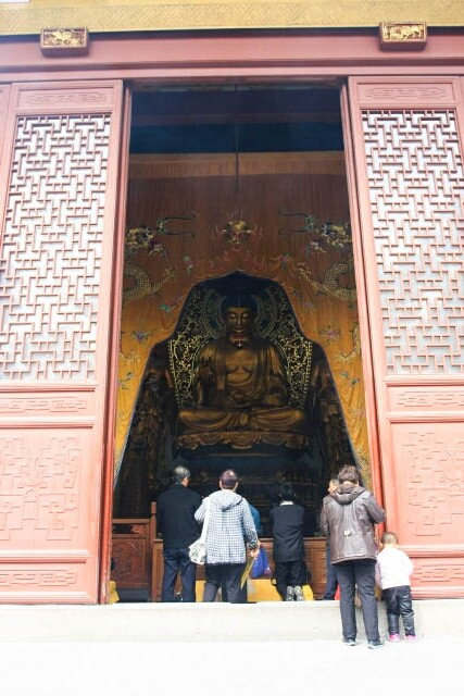 Entering the Hall of the Medicine Buddha