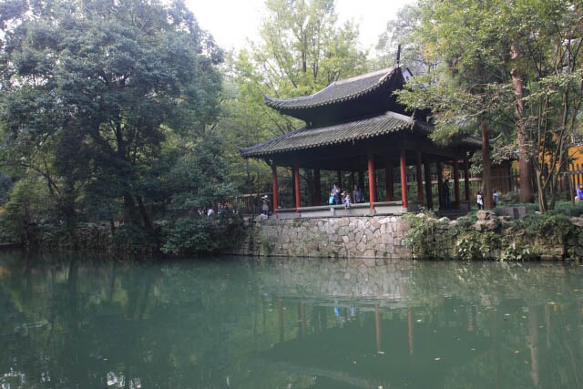 Pavillion at the Foot of Feilai Feng 飞来峰