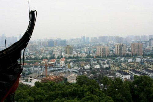 View of the City of Hangzhou from the Chenghuang Temple 城隍庙
