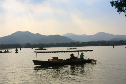 Boating On the West Lake 西湖