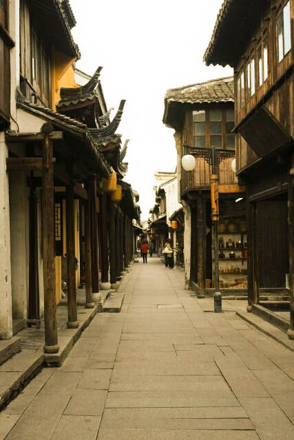 Deserted Alley in Zhou Zhuang 周庄
