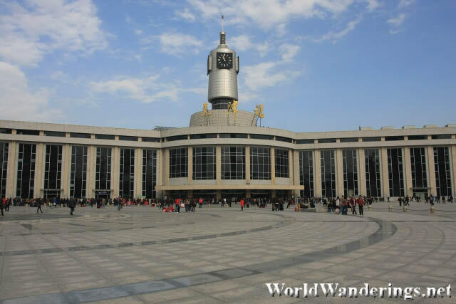 Tianjin Railway Station 天津站 From the Outside