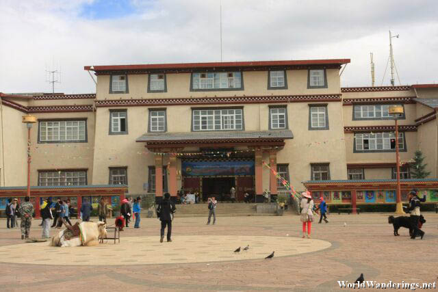 The Diqing Tibetan Museum from the Plaza