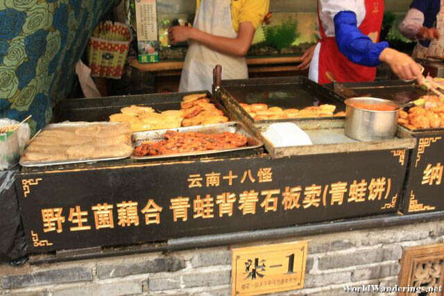 Row of Snacks at Lijiang Ancient Town 丽江古城