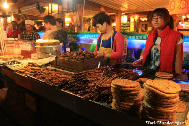 Stallowners Selling Yunnan Snacks in Lijiang Ancient Town 丽江古城