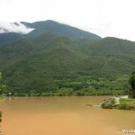 Murky Yangtze River on the Way to the Tiger Leaping Gorge 虎跳峡