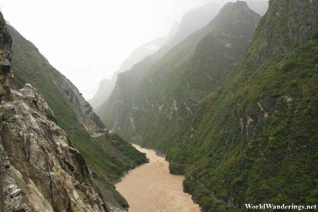 Spectacular Scenery at the Upper Tiger Leaping Gorge 上虎跳峡