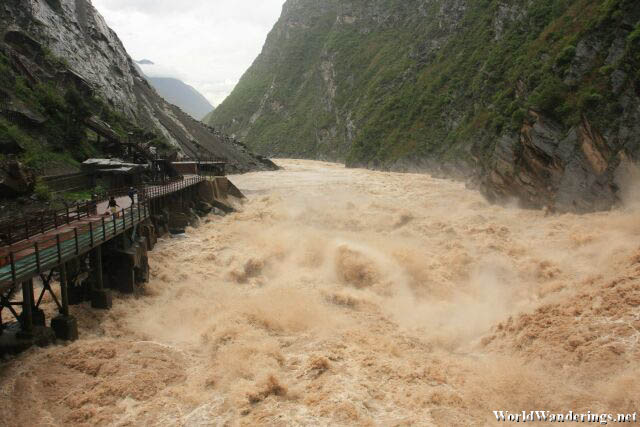 Incredibly Turbulent River at the Tiger Leaping Gorge 虎跳峡