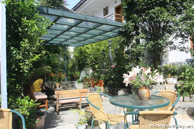 Nice Outdoor Area for Guests at Four Seasons Youth Hostel 春夏秋冬青年旅舍