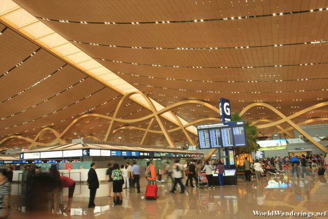 Impressive Terminal Building of the Kunming Changshui International Airport 昆明长水国际机场