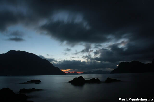 Darkness Setting in at El Nido