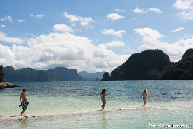 Enjoying Snake Island at El Nido