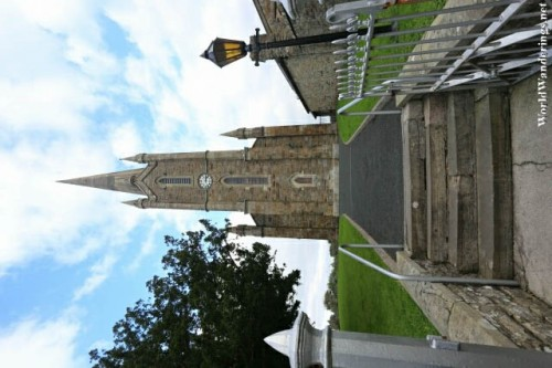 Approaching the Church of Ireland in Donegal Town