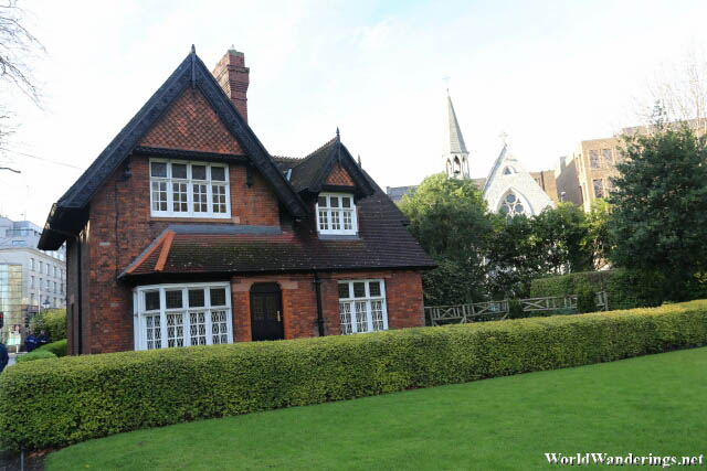 Very Attractive Gardener's Cottage at Saint Stephen's Green in Dublin