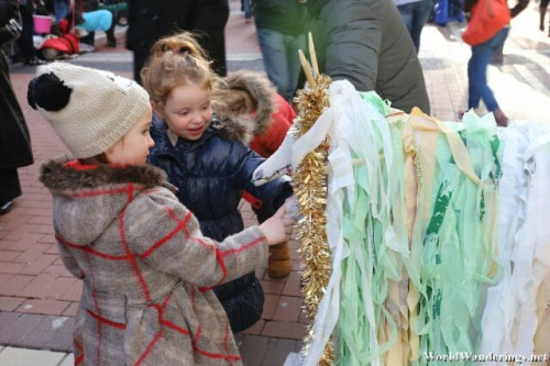 "Fascinated Children ""Feed"" a ""Llama"" at Grafton Street"