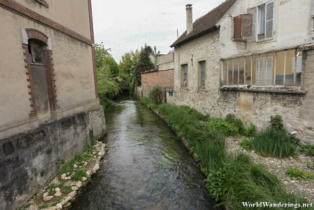 Going to the Town of Provins